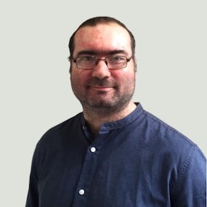Portrait of Onelivery co-founder Dimitrios Efthymiou